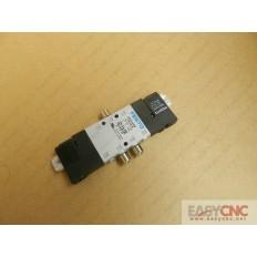 CPE10-M1BH-5/3E-M5-B 533161 Festo magnetventil solenoid valve new