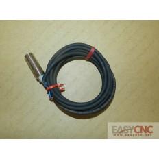 E2E-X3D1-R Omron proximity switch new